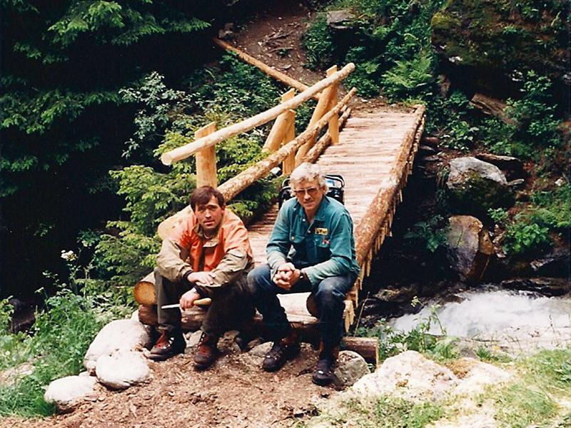 Neben der Waldpflege unterstützt das Forstrevier die Gemeinde unter anderem bei Wegsanierungen.